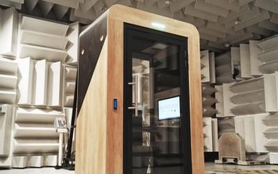 Success Story: WeeM fait confiance au CEVAA pour optimiser l'acoustique de ses cabines connectées